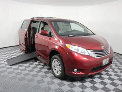 Commercial Wheelchair Vans for Sale - 2017 Toyota Sienna XLE ADA Compliant Vehicle VIN: 5TDYZ3DC9HS871986