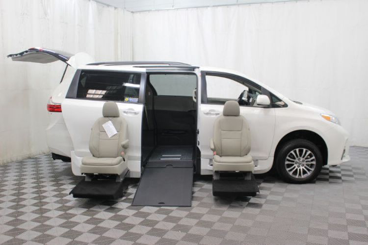 2019 Toyota Sienna XLE Wheelchair Van For Sale #10