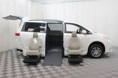 2019 Toyota Sienna Wheelchair Van For Sale -- Thumb #10