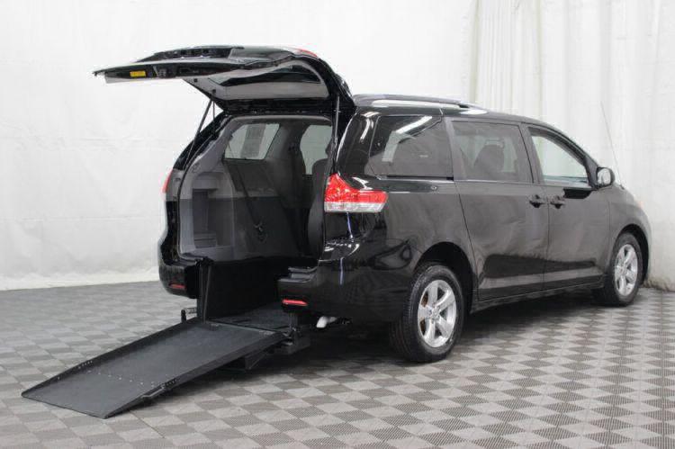 2014 Toyota Sienna LE Wheelchair Van For Sale #2
