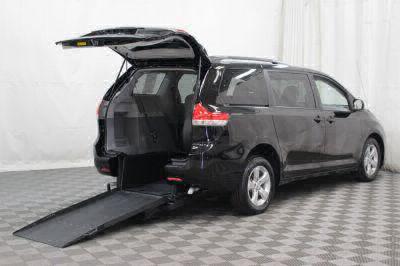 2014 Toyota Sienna Wheelchair Van For Sale -- Thumb #2