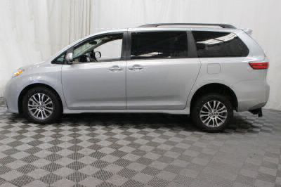 2019 Toyota Sienna Wheelchair Van For Sale -- Thumb #31