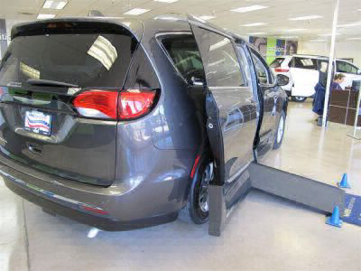 Handicap Van for Sale - 2018 Chrysler Pacifica Touring L Wheelchair Accessible Van VIN: 2C4RC1BG8JR142182