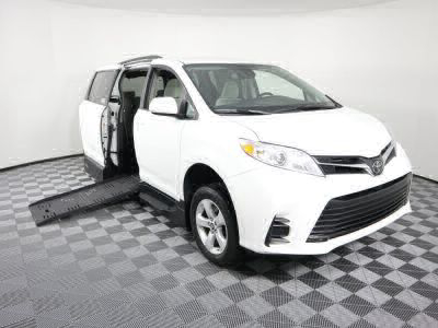Handicap Van for Sale - 2018 Toyota Sienna LE Standard Wheelchair Accessible Van VIN: 5TDKZ3DC0JS944528