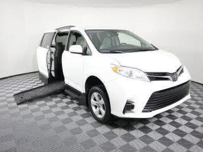 Handicap Van for Sale - 2018 Toyota Sienna LE Standard Wheelchair Accessible Van VIN: 5TDKZ3DC0JS944528