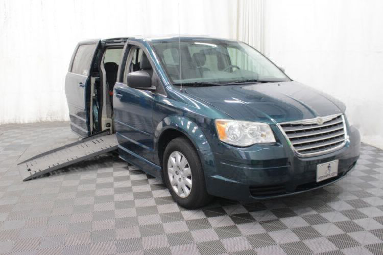 2009 Chrysler Town and Country LX Wheelchair Van For Sale #11