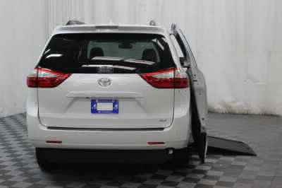2019 Toyota Sienna Wheelchair Van For Sale -- Thumb #3