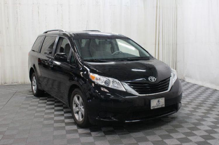 2014 Toyota Sienna LE Wheelchair Van For Sale #4