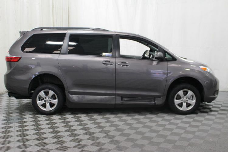2017 Toyota Sienna LE Wheelchair Van For Sale #33