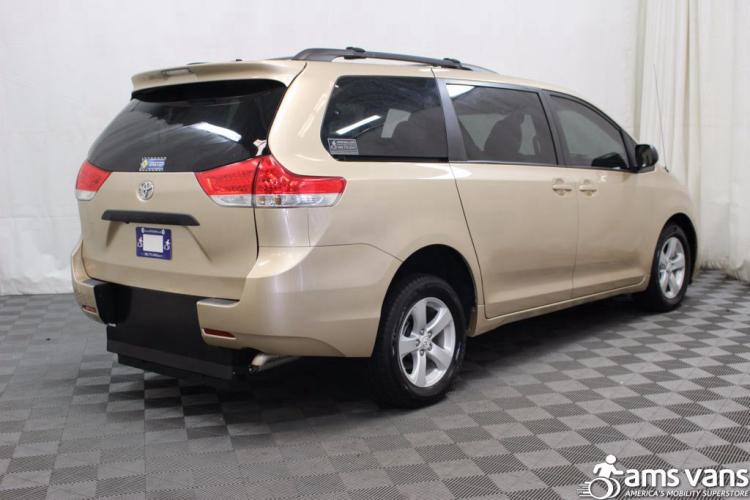 2011 Toyota Sienna LE Wheelchair Van For Sale #8