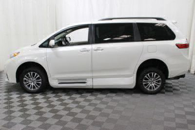 2018 Toyota Sienna Wheelchair Van For Sale -- Thumb #18