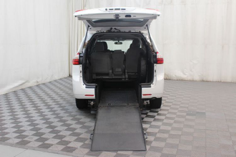 2015 Toyota Sienna LE Wheelchair Van For Sale #2