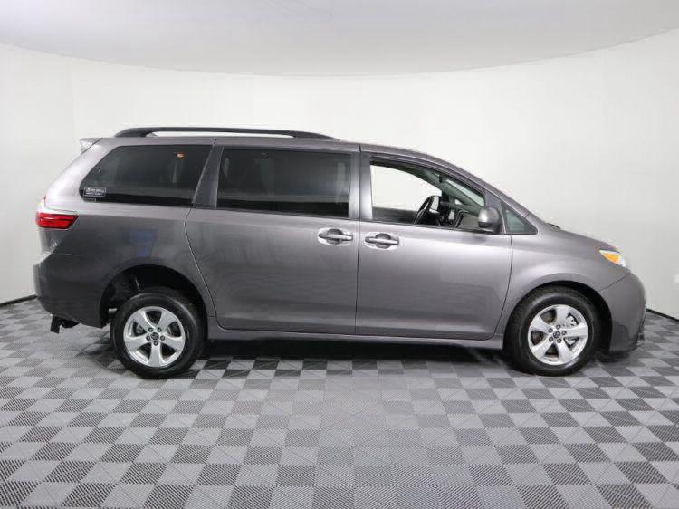 2018 Toyota Sienna LE Wheelchair Van For Sale #6