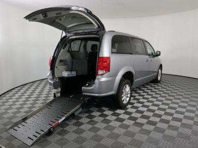 Commercial Wheelchair Vans for Sale - 2019 Dodge Grand Caravan SXT ADA Compliant Vehicle VIN: 2C4RDGCG5KR749429