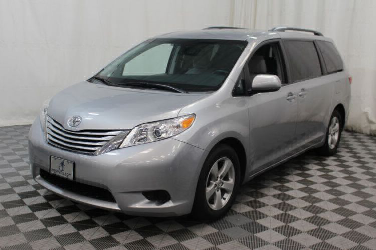 2015 Toyota Sienna LE Wheelchair Van For Sale #18