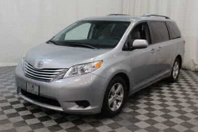 2015 Toyota Sienna Wheelchair Van For Sale -- Thumb #18