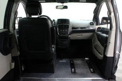 2017 Dodge Grand Caravan Wheelchair Van For Sale -- Thumb #8
