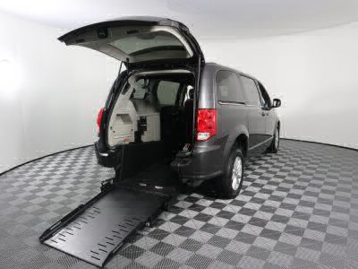 Commercial Wheelchair Vans for Sale - 2019 Dodge Grand Caravan SXT ADA Compliant Vehicle VIN: 2C4RDGCG1KR512730