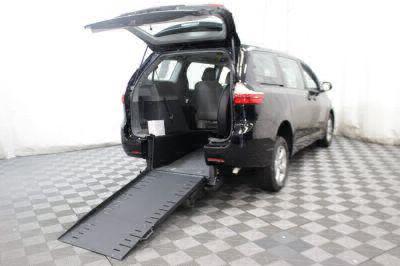 2016 Toyota Sienna Wheelchair Van For Sale