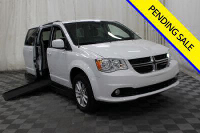 Commercial Wheelchair Vans for Sale - 2019 Dodge Grand Caravan SXT ADA Compliant Vehicle VIN: 2C4RDGCG0KR514128