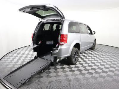 Commercial Wheelchair Vans for Sale - 2018 Dodge Grand Caravan SE ADA Compliant Vehicle VIN: 2C4RDGBG6JR202749