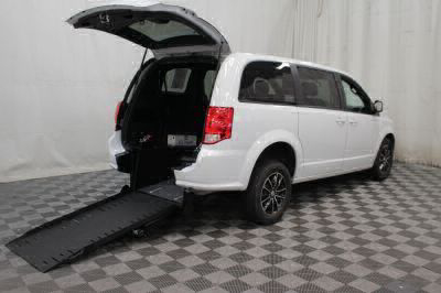 Commercial Wheelchair Vans for Sale - 2018 Dodge Grand Caravan SE Plus ADA Compliant Vehicle VIN: 2C4RDGBG4JR198670