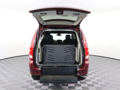 2018 Dodge Grand Caravan Wheelchair Van For Sale -- Thumb #3