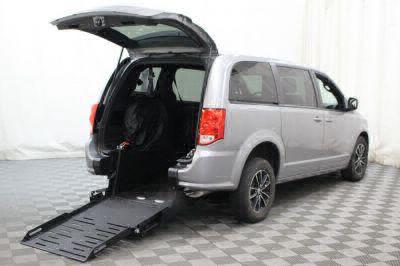 Commercial Wheelchair Vans for Sale - 2018 Dodge Grand Caravan SE ADA Compliant Vehicle VIN: 2C4RDGBG6JR200659