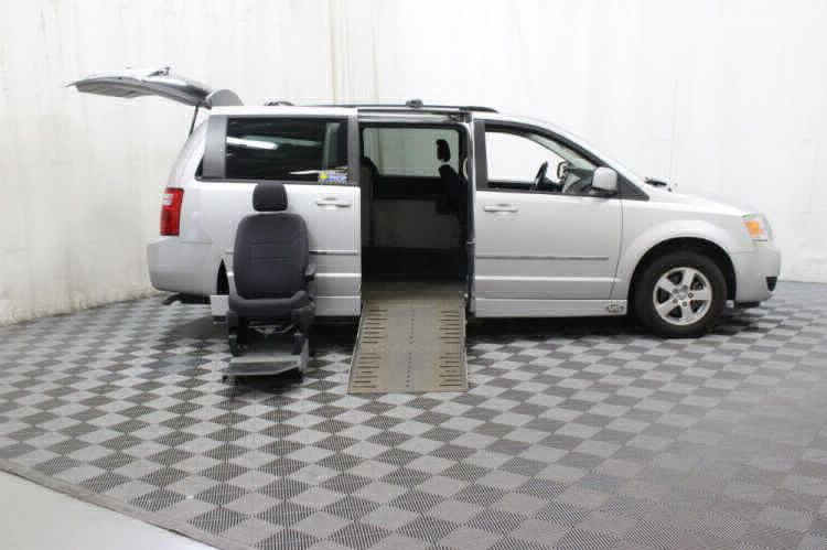 2010 Dodge Grand Caravan SXT Wheelchair Van For Sale #10