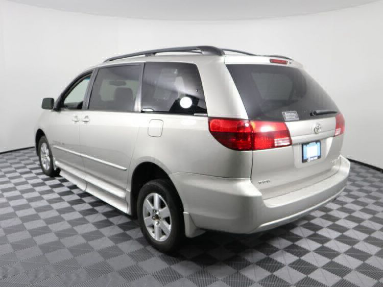 2004 Toyota Sienna XLE Wheelchair Van For Sale #5