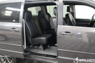 2017 Dodge Grand Caravan Wheelchair Van For Sale -- Thumb #7