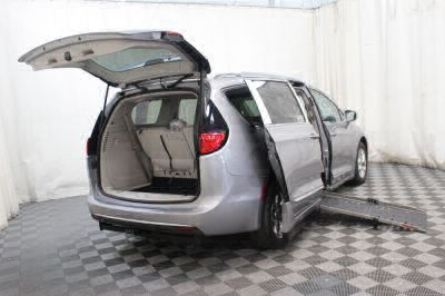 2017 Chrysler Pacifica Wheelchair Van For Sale -- Thumb #10