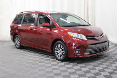 Commercial Wheelchair Vans for Sale - 2018 Toyota Sienna XLE ADA Compliant Vehicle VIN: 5TDYZ3DC9JS952850