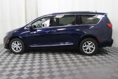 2017 Chrysler Pacifica Wheelchair Van For Sale -- Thumb #30