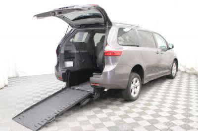 Commercial Wheelchair Vans for Sale - 2018 Toyota Sienna LE ADA Compliant Vehicle VIN: 5TDKZ3DC9JS903749