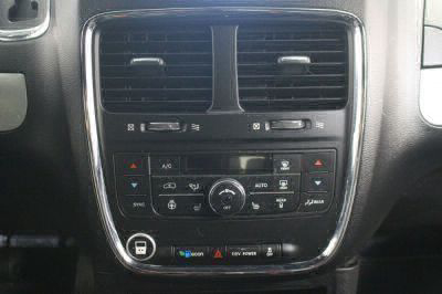2012 Dodge Grand Caravan Wheelchair Van For Sale -- Thumb #19
