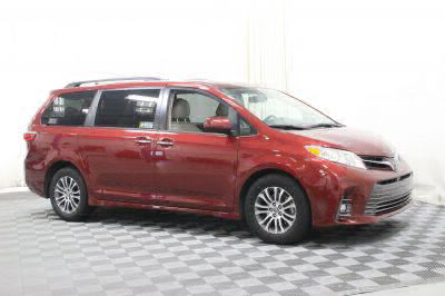 Used 2018 Toyota Sienna XLE Wheelchair Van