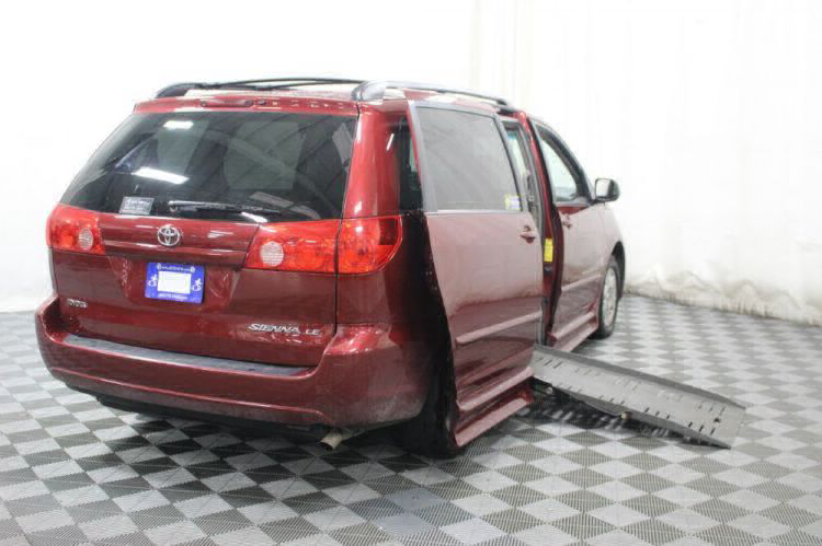 2010 Toyota Sienna LE Wheelchair Van For Sale #3