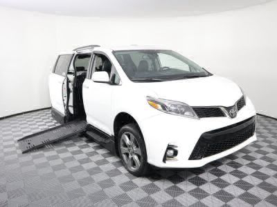 Handicap Van for Sale - 2019 Toyota Sienna SE Wheelchair Accessible Van VIN: 5TDXZ3DC4KS978611