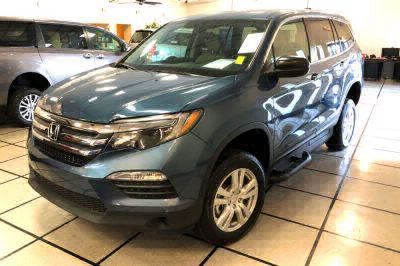 Handicap Van for Sale - 2018 Honda Pilot LX Wheelchair Accessible Van VIN: 5FNYF5H17JB015061