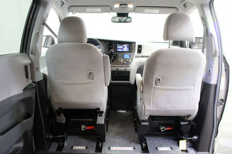 2018 Toyota Sienna LE Wheelchair Van For Sale #7