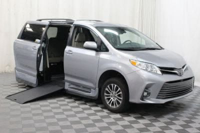 Commercial Wheelchair Vans for Sale - 2018 Toyota Sienna XLE ADA Compliant Vehicle VIN: 5TDYZ3DC8JS918690