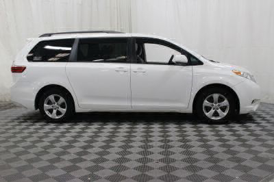 Commercial Wheelchair Vans for Sale - 2017 Toyota Sienna LE ADA Compliant Vehicle VIN: 5TDKZ3DC9HS834961