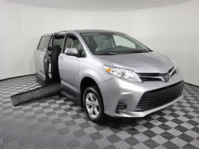 Handicap Van for Sale - 2018 Toyota Sienna LE Wheelchair Accessible Van VIN: 5TDKZ3DC8JS919232