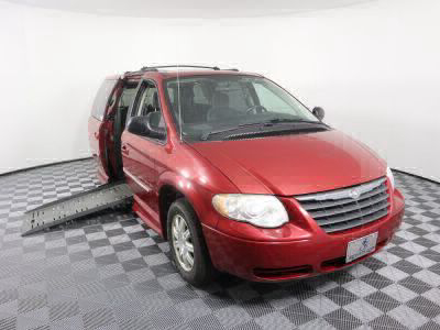 Used Wheelchair Van for Sale - 2005 Chrysler Town & Country Touring Wheelchair Accessible Van VIN: 2C4GP54L85R313340