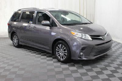 Commercial Wheelchair Vans for Sale - 2018 Toyota Sienna XLE ADA Compliant Vehicle VIN: 5TDYZ3DC5JS950867