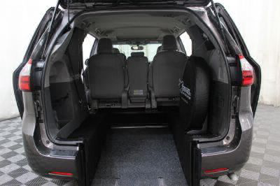 2017 Toyota Sienna Wheelchair Van For Sale -- Thumb #3