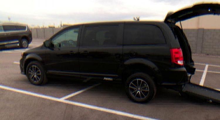 2018 Dodge Grand Caravan SE Plus Wheelchair Van For Sale #8