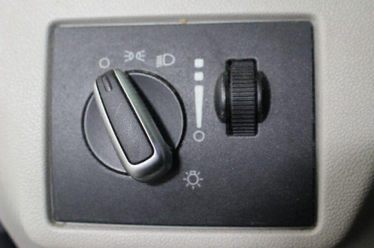 2009 Volkswagen Routan SE Wheelchair Van For Sale #15