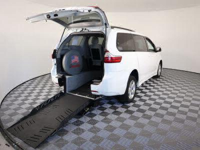 New Wheelchair Van for Sale - 2018 Toyota Sienna LE Wheelchair Accessible Van VIN: 5TDKZ3DC8JS903371
